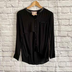 3/$30🦋 Philosophy Black Hi/ Low Button Down Shirt